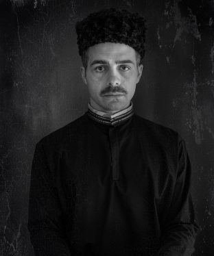 Amir Nakhjavani's headshot picture