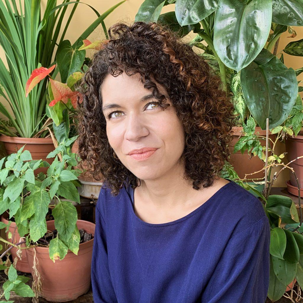 Headshot of artist Tanha Gomes