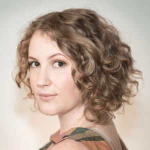 Headshot of Miriam Cummings